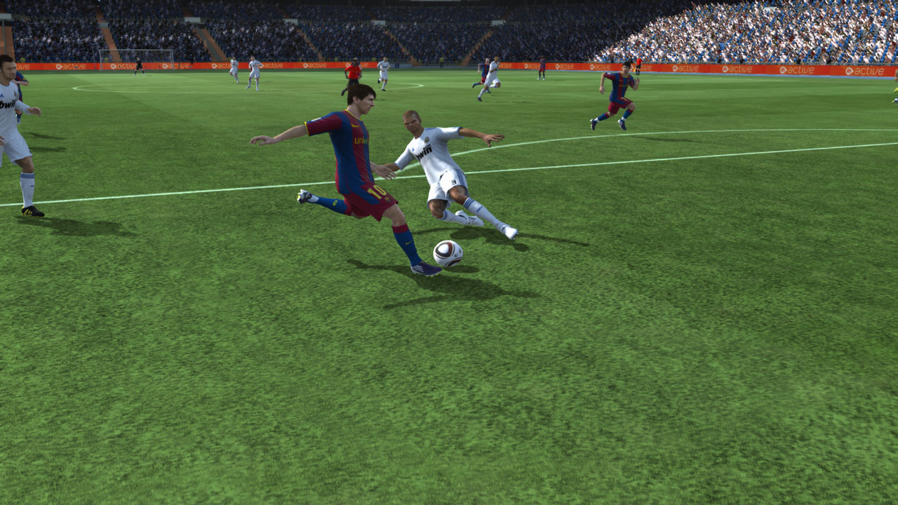 pc fifa 11 pepe going in on messi